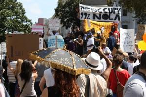 Vielfältige Forderungen in New Orleans. Ein Spruch mit Lokalkolorit: Who Dat? We Dat 99%!